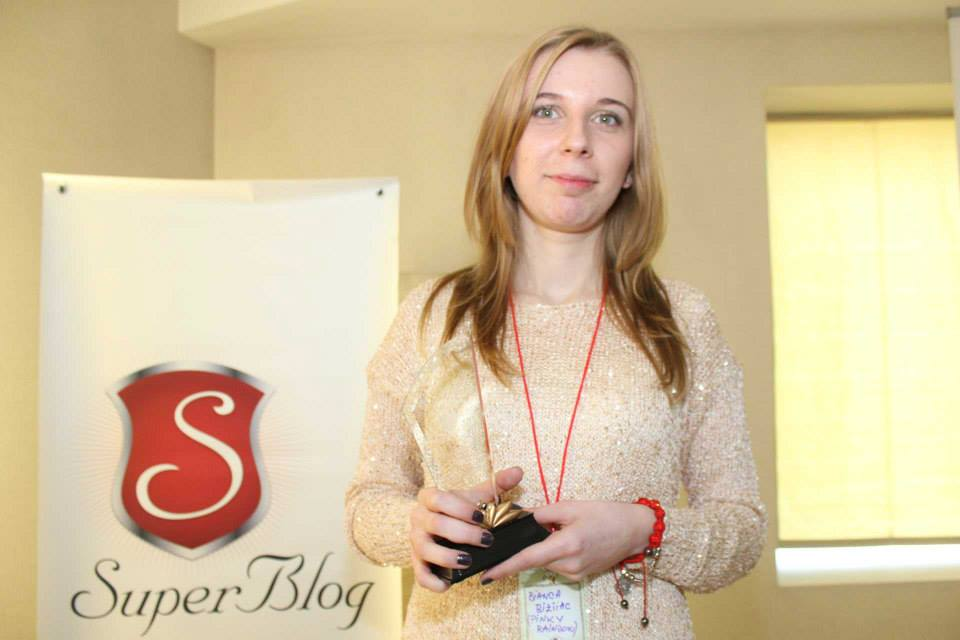 Guest-post Bianca Bîzîiac: SuperBlog – Scriem separat, dar ne distrăm împreună